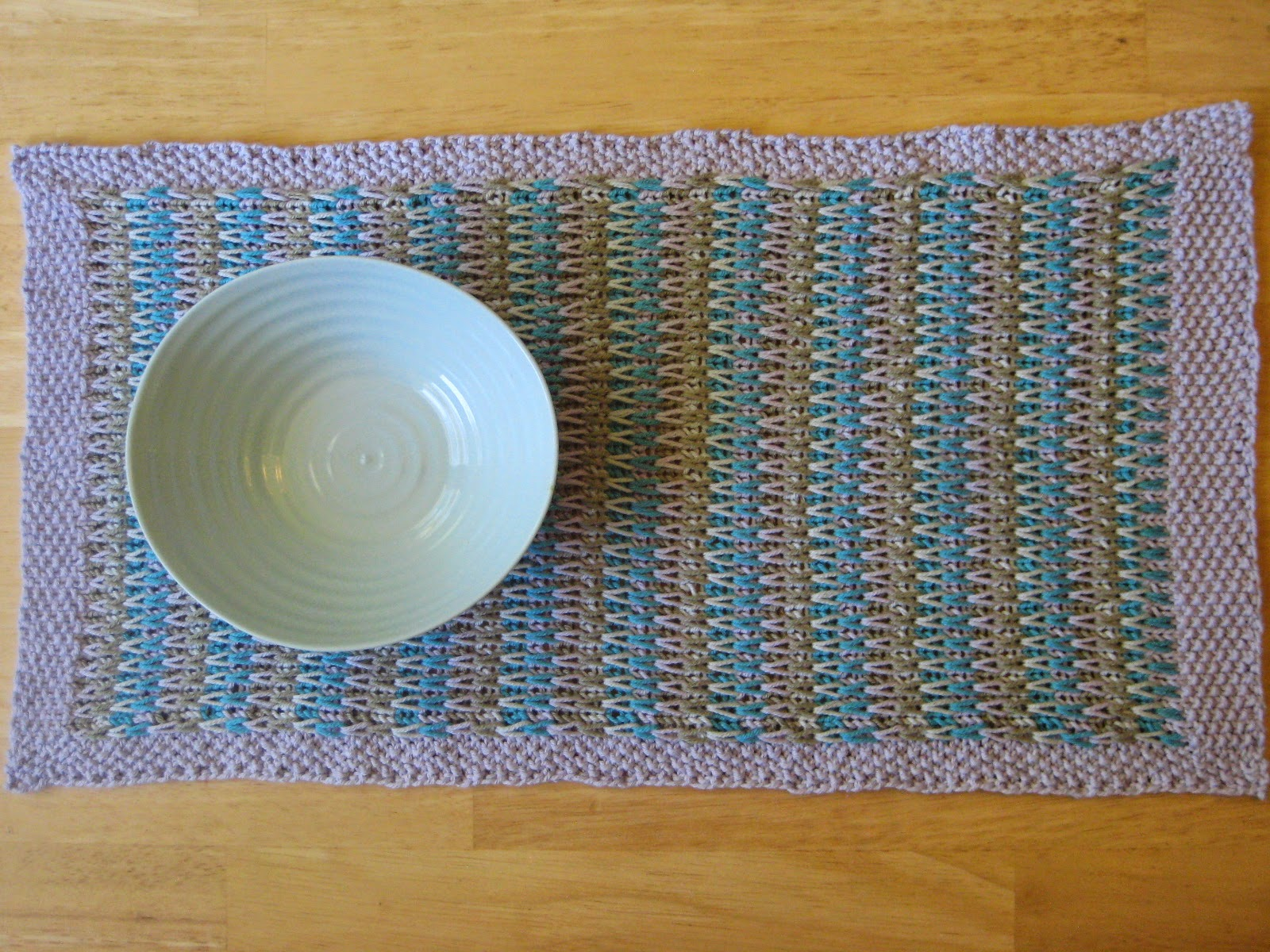Knit Table Runners – free patterns – Grandmother\'s Pattern Book