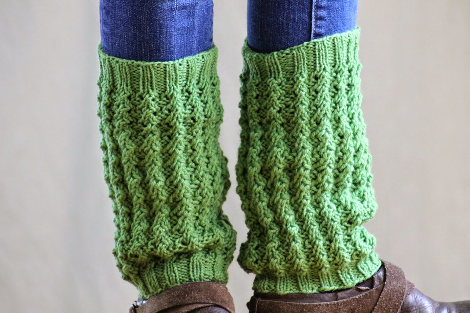 Leg Warmers Knitting Pattern In The Round : Two Dozen More Legwarmers to Knit   free patterns   Grandmothers Pattern...