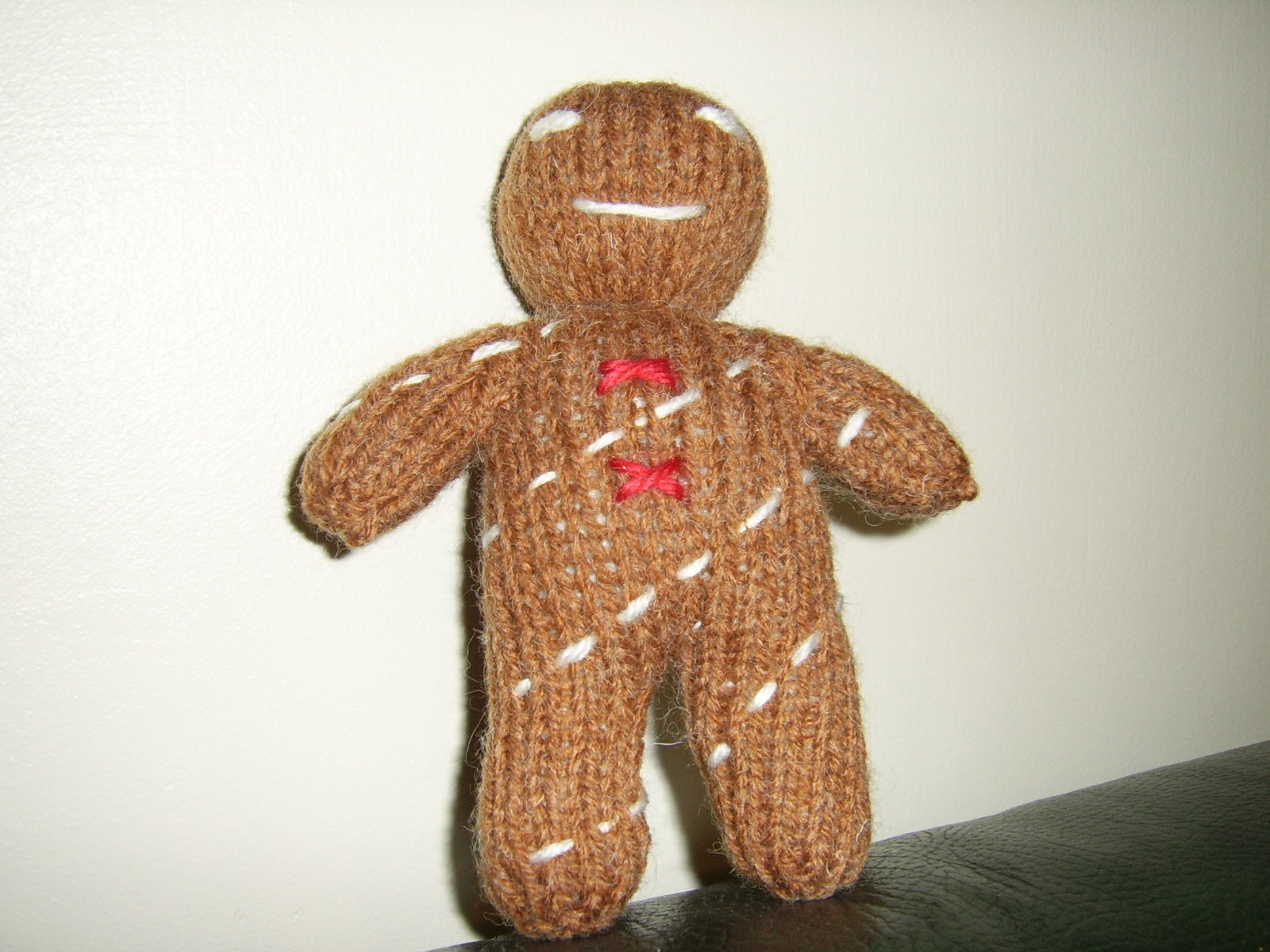 Gingerbread to Knit   free patterns   Grandmothers Pattern Book