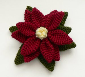 poinsettia_crocheted