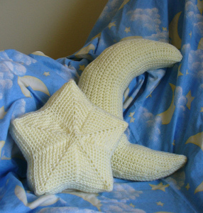 star-moon-pillow-make-handmade-1311960769_af2633210b_z