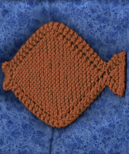 Knitted Fish Patterns : Fish to Knit   free patterns   Grandmothers Pattern Book
