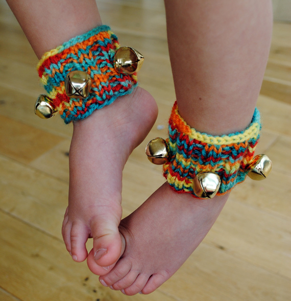 Sandals, Barefoot Sandals and Flip Flops to Knit – free patterns