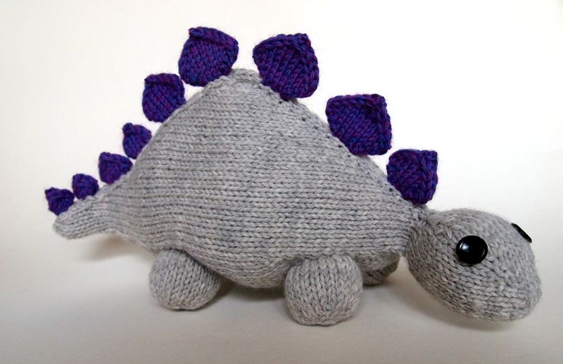 Knit Dinosaur Pattern : Dinosaurs to Knit   21 free patterns   Grandmothers Pattern Book