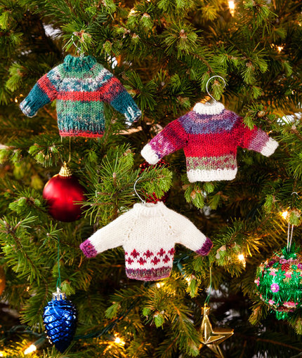 Mini Christmas Sweaters To Knit And Crochet Free