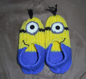 aunt-maggies-slippers-minions1