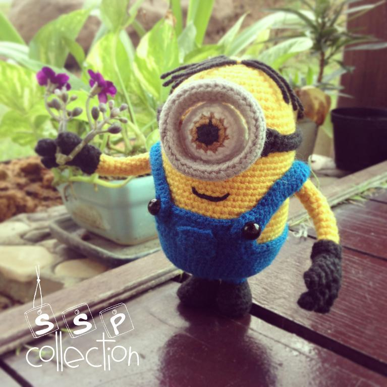 Free Crochet Pattern For Minion Eyes : Minions! Free Patterns to Crochet ? Grandmothers Pattern Book