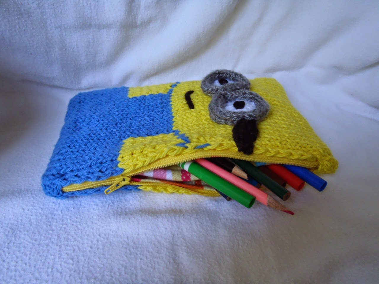 Oh! Those Minions! free patterns to knit – Grandmother\'s Pattern Book