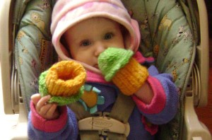 full_246_64780_BabyCupcakeHands_2