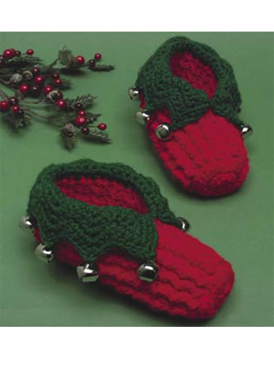 Knitting Pattern For Baby Elf Shoes : Christmas Slippers to Crochet for Children and Adults   10 free patterns   Gr...
