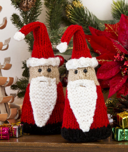 Everything Santa To Knit 18 Free Patterns Grandmothers Pattern Book