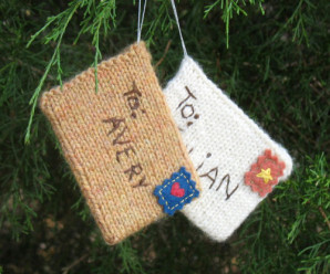 More Knit or Crochet Gift Card Holders – free patterns