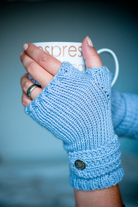 More Fingerless Mitts and Handwarmers to Knit   25 free patterns   Grandmothe...