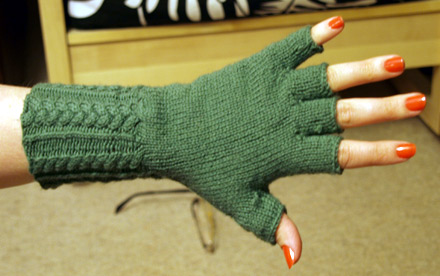 Free Crochet Patterns Hobo Gloves : More Fingerless Mitts and Handwarmers to Knit ? 25 free ...