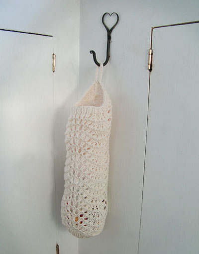 Knit a Holder for all those Plastic Bags!   8 free patterns   Grandmother...