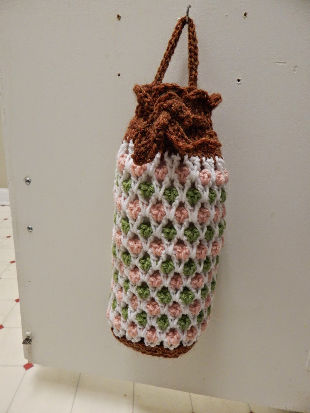 Free Crochet Pattern Using Plastic Bags : Crochet a Holder for all those Plastic Bags! ? 14 free ...