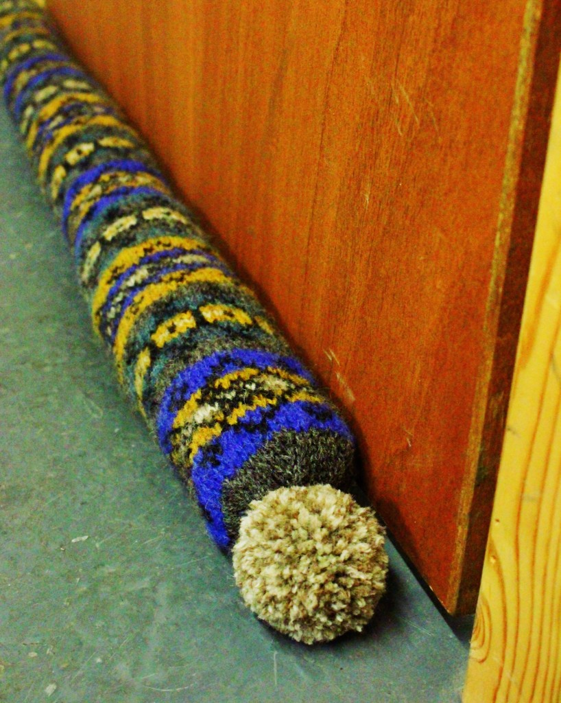 Draught Excluder Knitting Pattern : Knit Draft Stoppers/Draught Excluders   11 free patterns   Grandmothers ...
