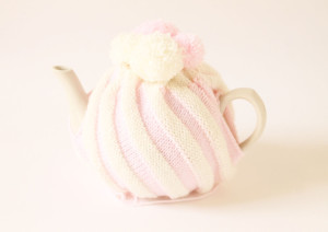 handmade-knitted-tea-cozy