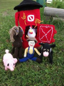 Crochet-Barnyard-Bag-with-Characters
