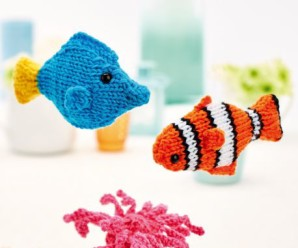 Knit Clown Fish and Blue Tang (Nemo and Dory) – 13 free patterns