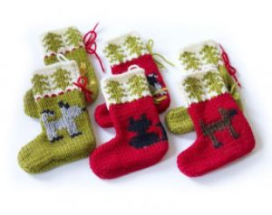 Knit-Pattern-Cat-and-Dog-Holiday-Ornaments-60739AD-a