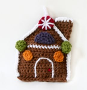 crochet-pattern-amigurumi-gingerbread-house-70708ad-a