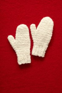 crochet-pattern-holiday-mittens-l0291ad-a