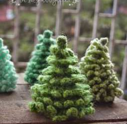 Christmas in July – Begin by Crocheting A Christmas Tree! – 49 free patterns