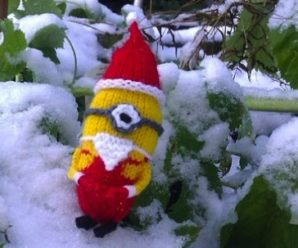 Minions Again! Christmas Minions to Knit – 12 free patterns