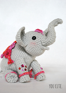Cuddle Me Elephant crochet pattern - Amigurumi Today | 320x225