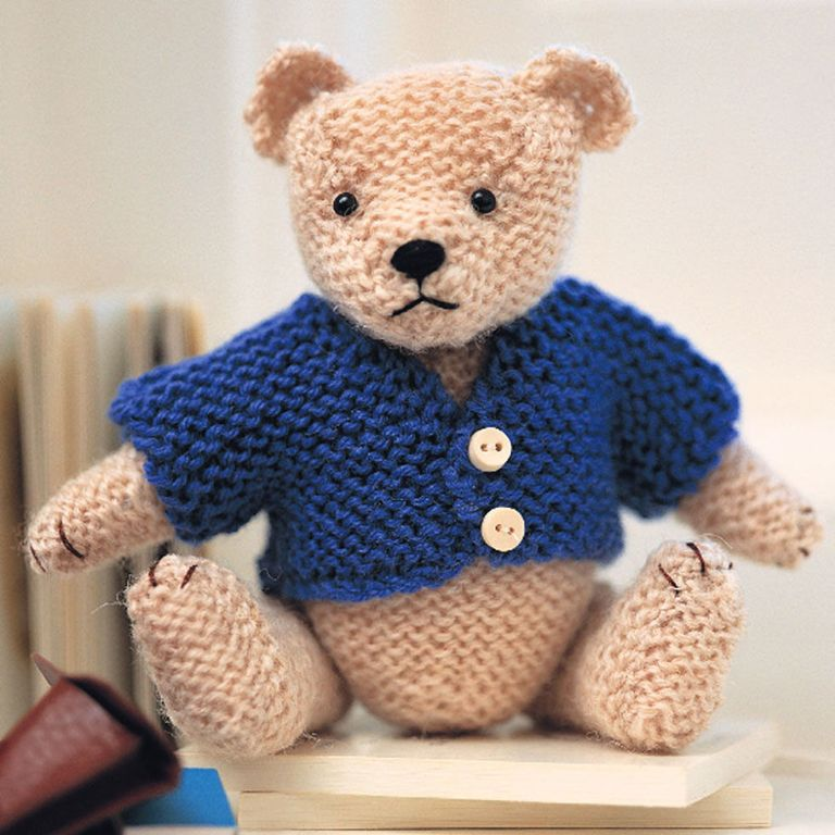 Small Teddy Bear for Charity (With images) | Crochet bear, Knitted ... | 768x768